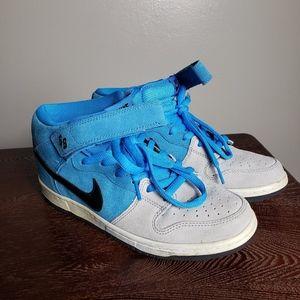 Nike Dunk Mid Pro SB Beavis Size 8